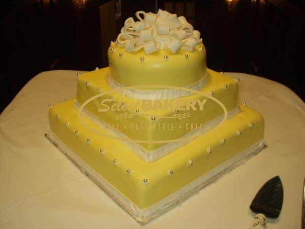 Wedding Cake 107 yellow
